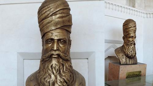 عکس مجسمه کریم خان زند Statue of Karim Khan Zand