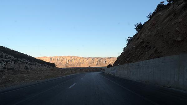 عکس جاده در بیابان برای مت پینتینگ